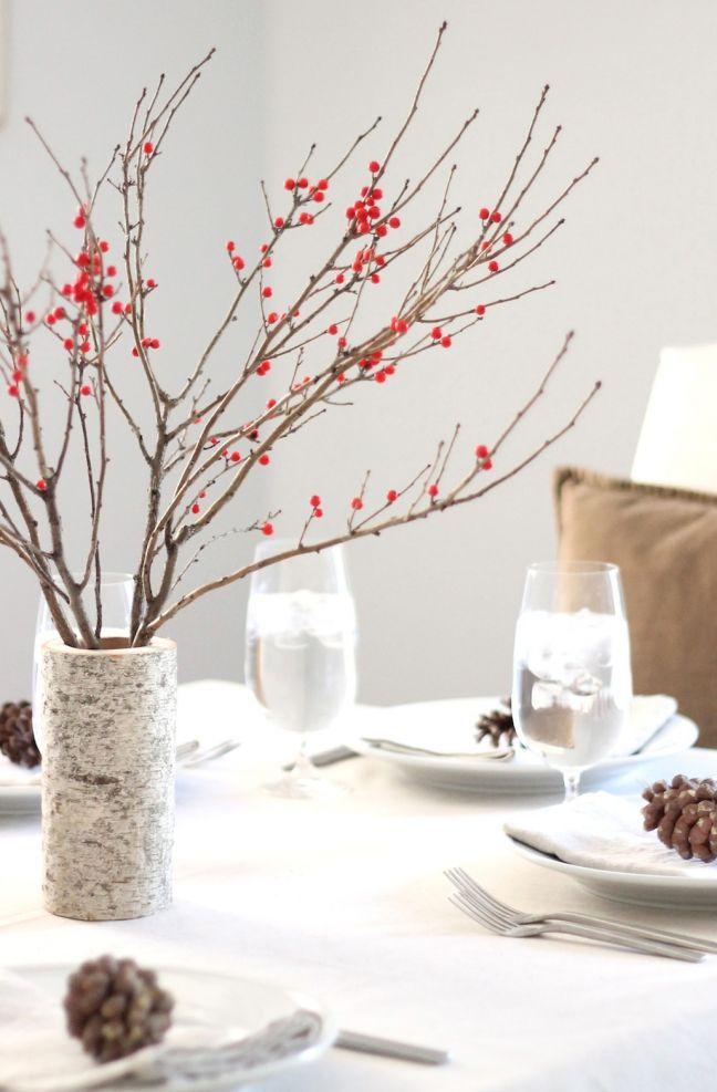 kersttak versieren rode besjes tafel