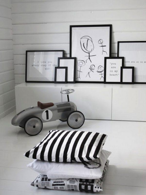 kindertekeningen interieur zwart wit