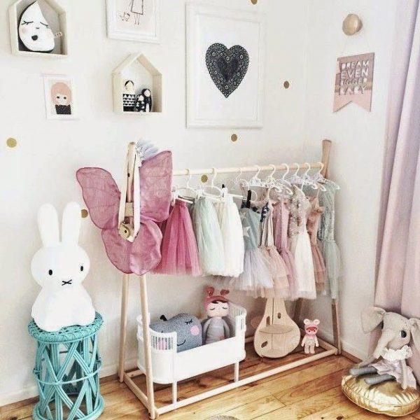 kledingrek meisjes kinderkamer