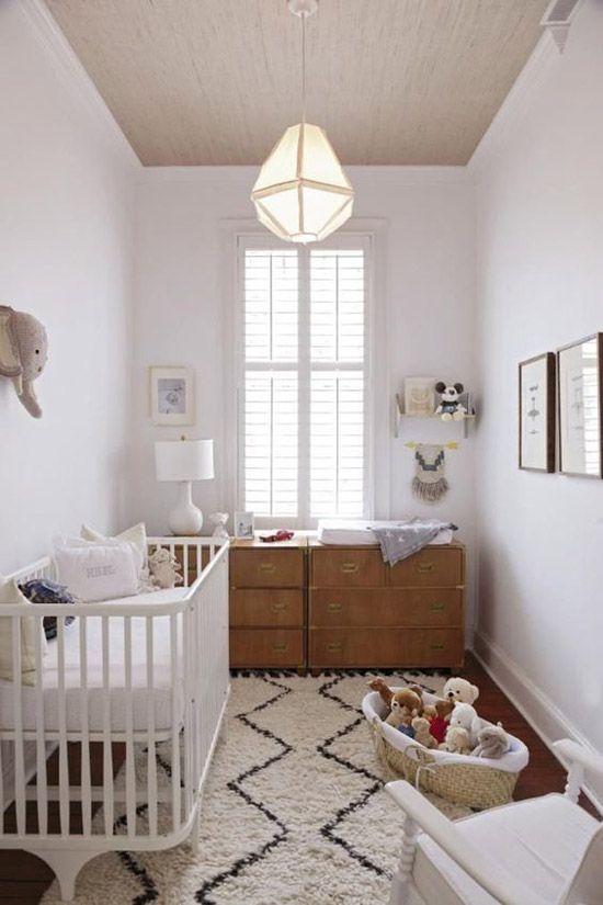 Kleine babykamer lichte kleuren
