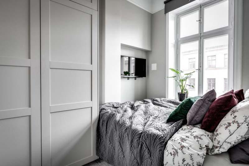kleine slaapkamer grote kledingkast