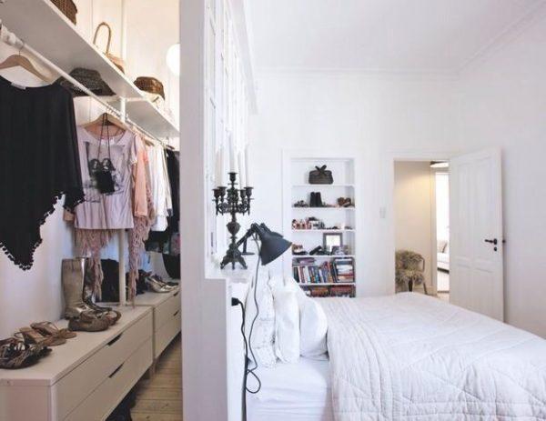 Inloopkast In Slaapkamer : Inloopkast achter het bed thestylebox