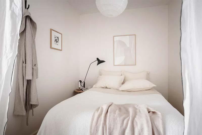kleine slaapkamer lichte kleuren
