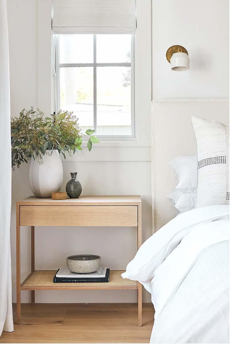 kleine slaapkamer nachtkastje met opbergruimte