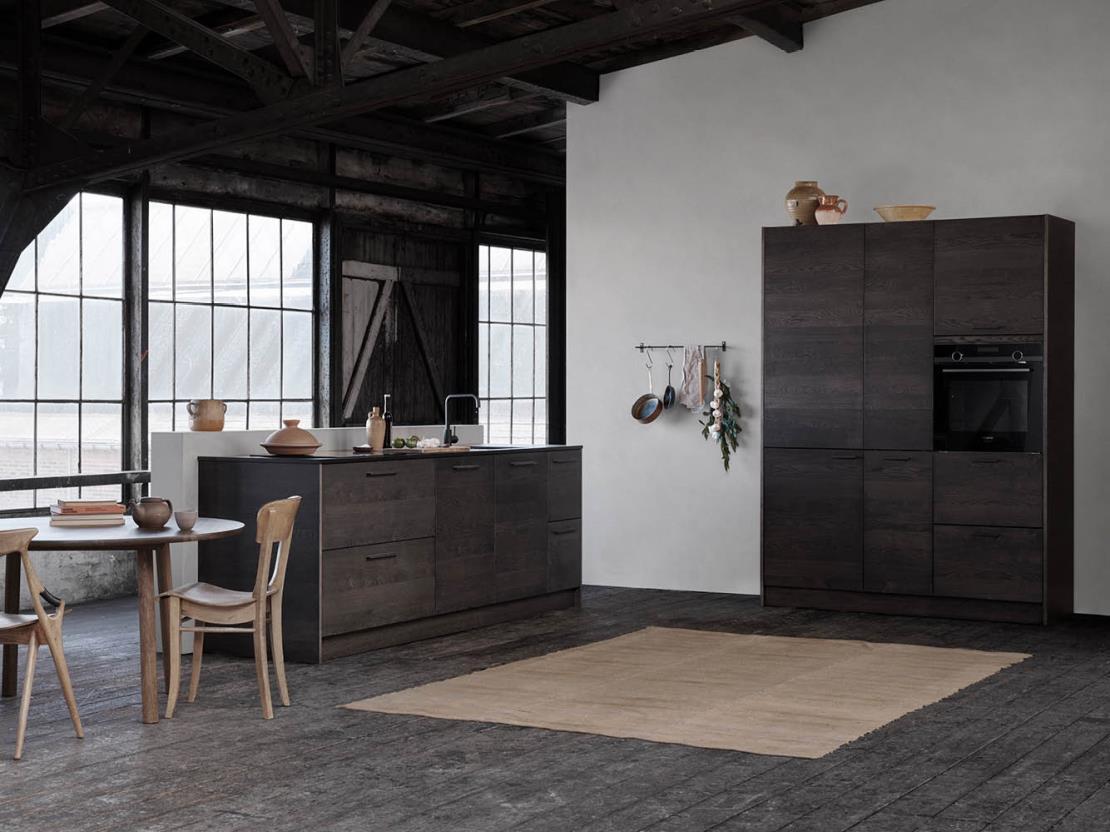 De Tacto keuken van Kvik is ook verkrijgbaar in een donkere houttint.
