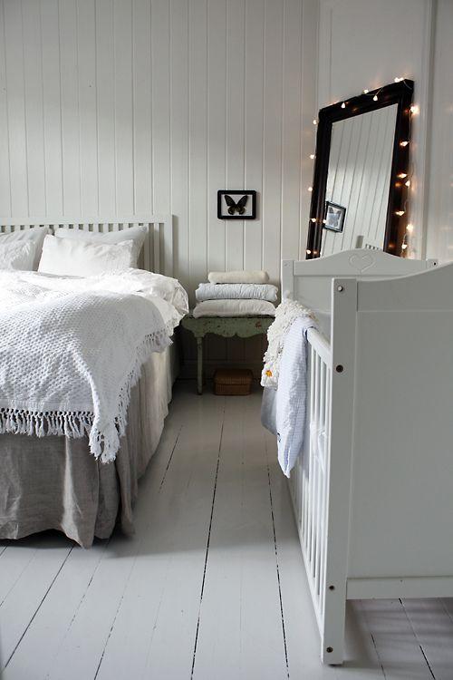 ledikant in slaapkamer