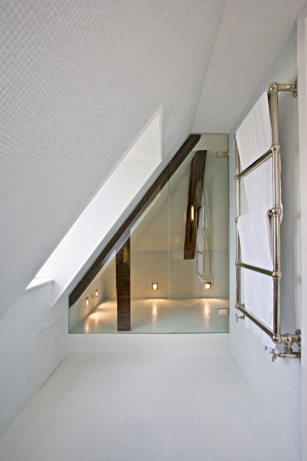 http://www.thestylebox.nl/wp-content/uploads/luxe-badkamer-zolder-600x900.jpg