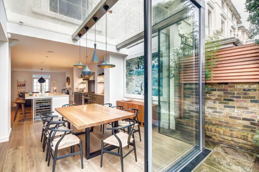 luxe woonkeuken glazen uitbouw