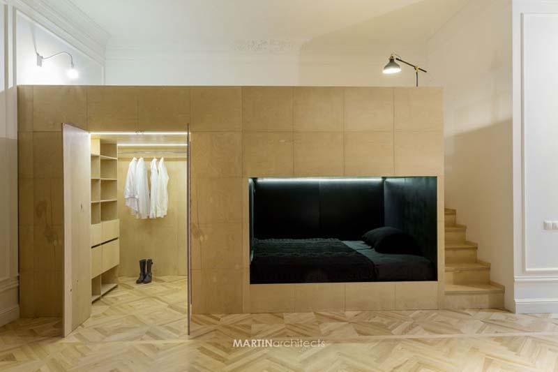 Mezzanine met slaapkamer en inloopkast