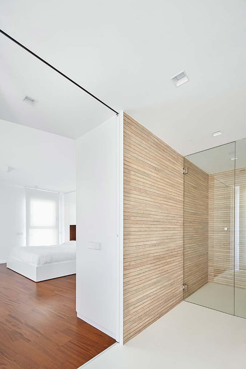 moderne badkamer ensuite houten wandbekleding