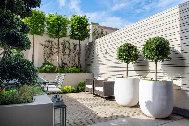 moderne intieme tuin lichte schuttingen
