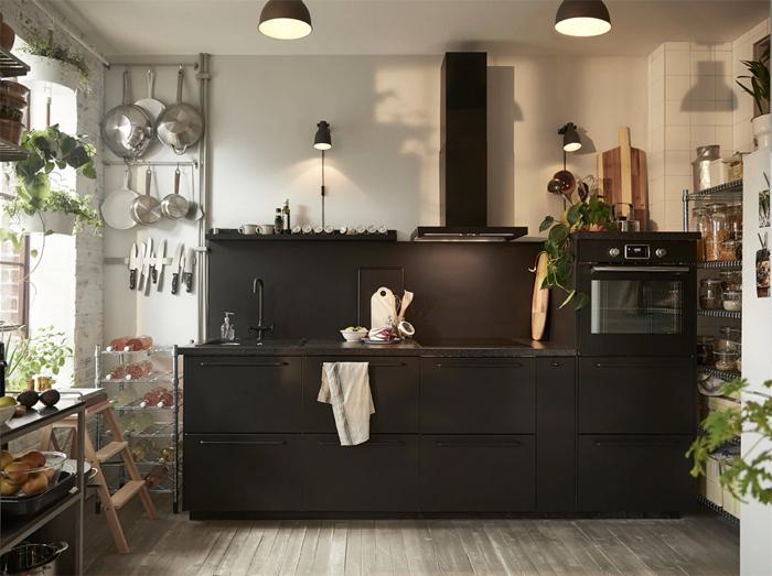 Zwarte moderne zwarte IKEA keuken