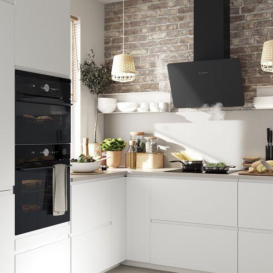 Moderne witte IKEA keuken