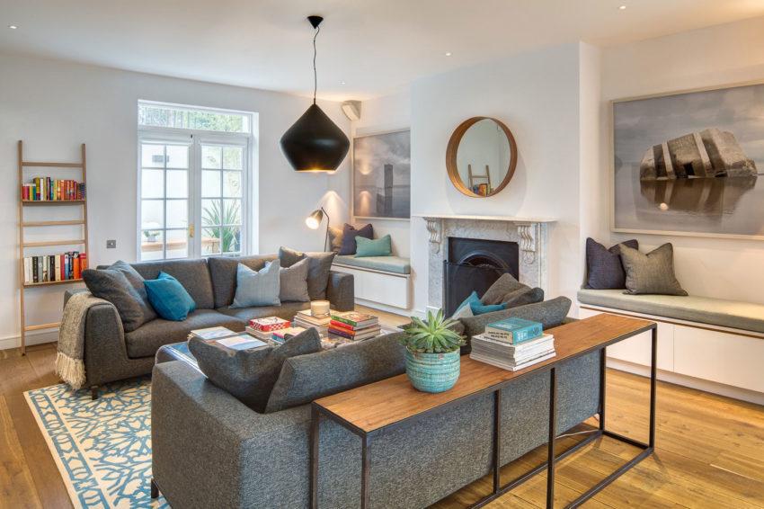 moderne woonkamer twee banken tegenover elkaar