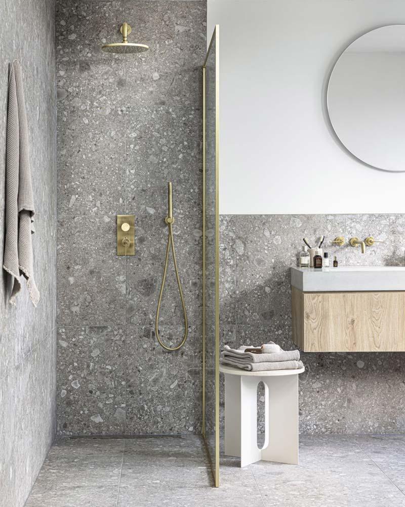 mooie vtwonen badkamer inloopdouche