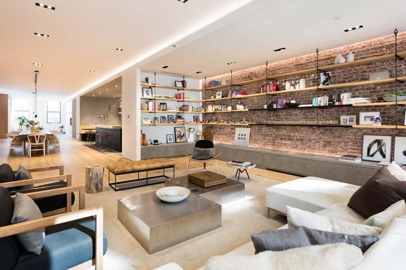 op maat gemaakte tv meubel woonkamer bakstenen muur