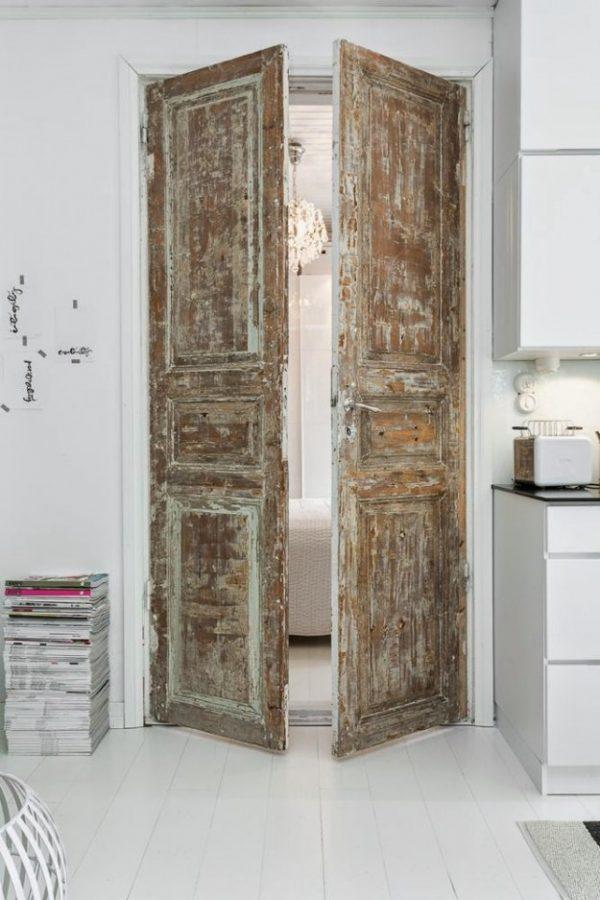 Oude deuren in het interieur thestylebox - Verlenging hout oud huis ...