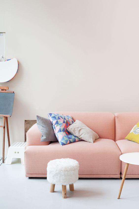 pastel-interieur-keuken-roze-bank