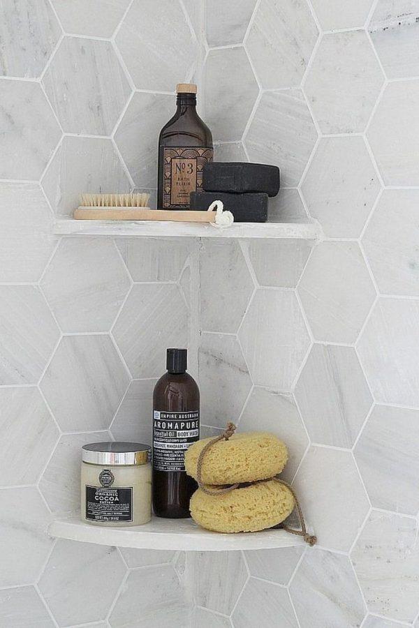 plankjes hoek badkamer
