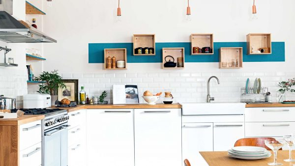 Frans huis met authentieke kleuren thestylebox - Scandinavische blauwe ...