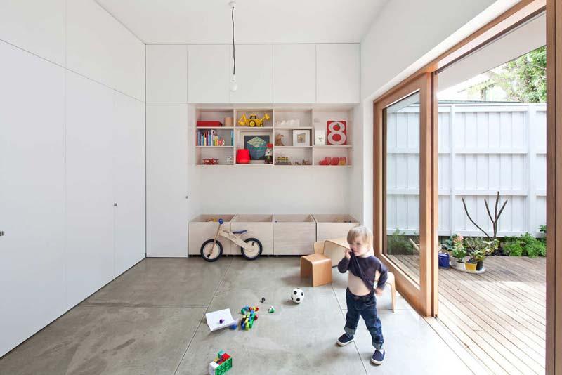 Speelhoekje in l-vormige woonkamer