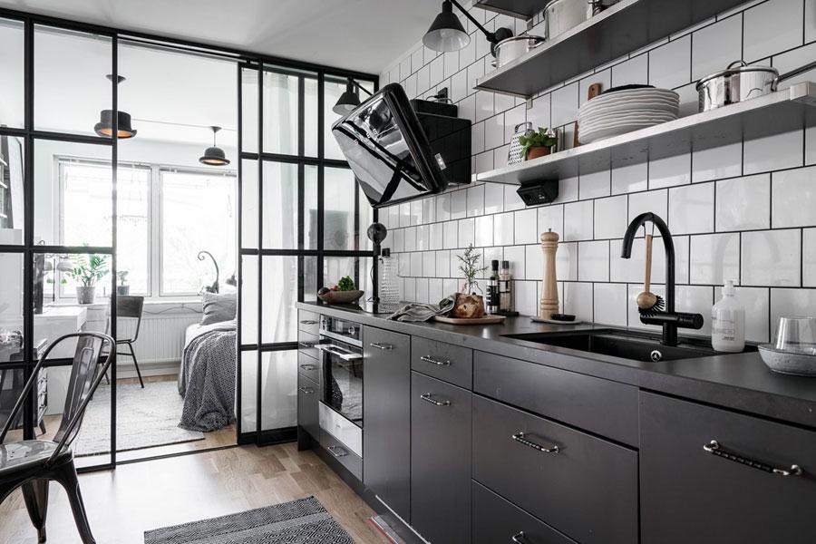 Stoere zwarte keuken