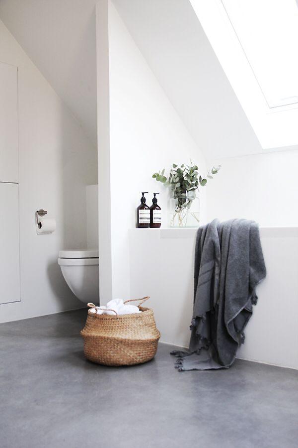 strakke muren badkamer