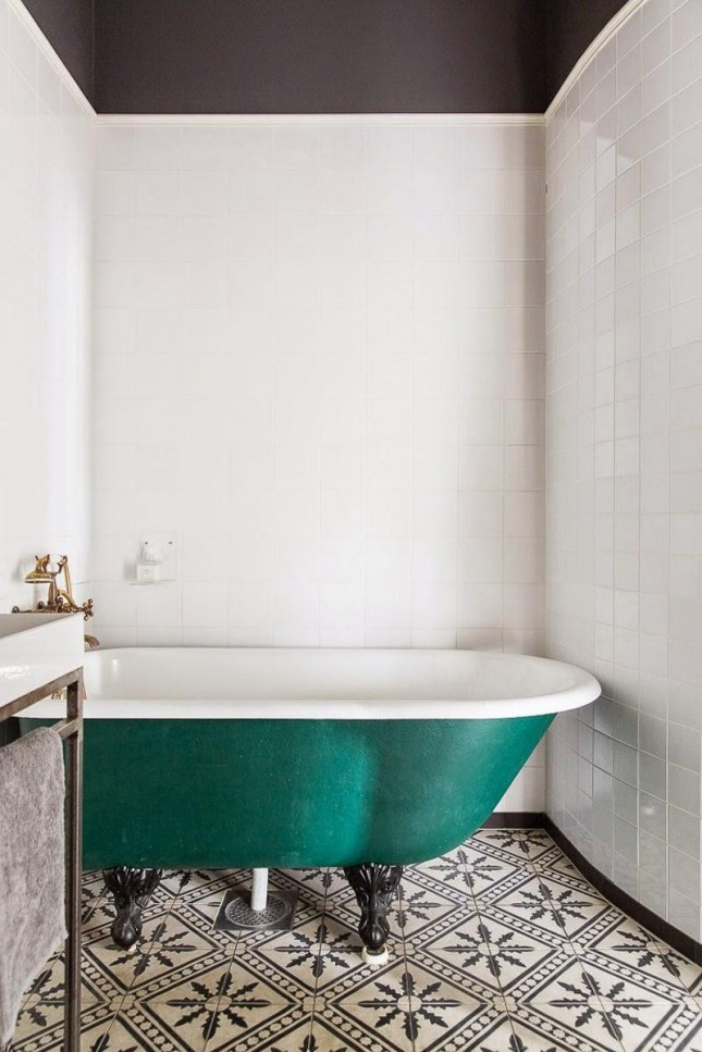 Keuken Wandtegels Kopen : Vintage-Black-And-White-Tile-Bathroom
