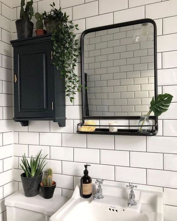 vintage spiegel rekje badkamer