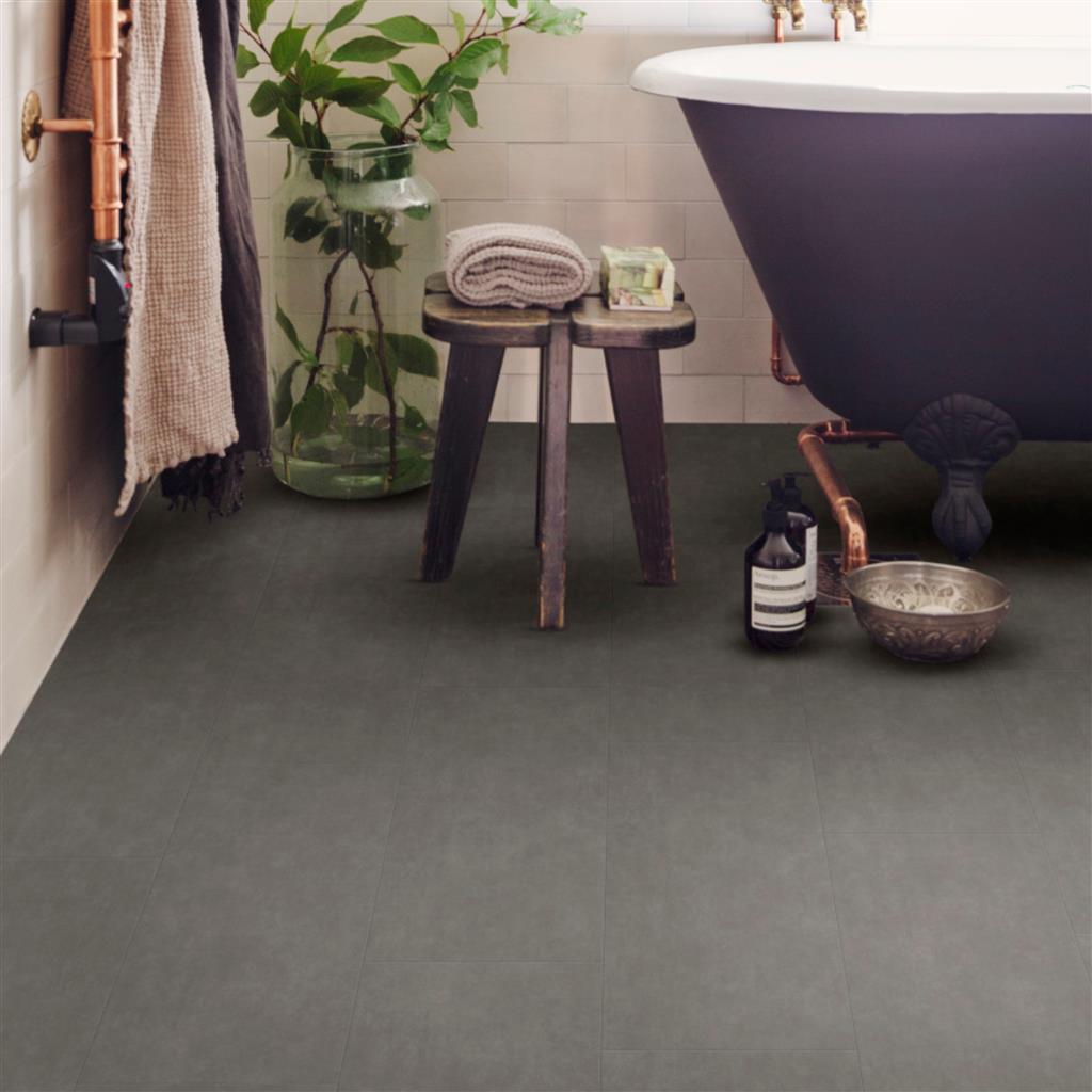vinyl tegels en planken in de badkamer