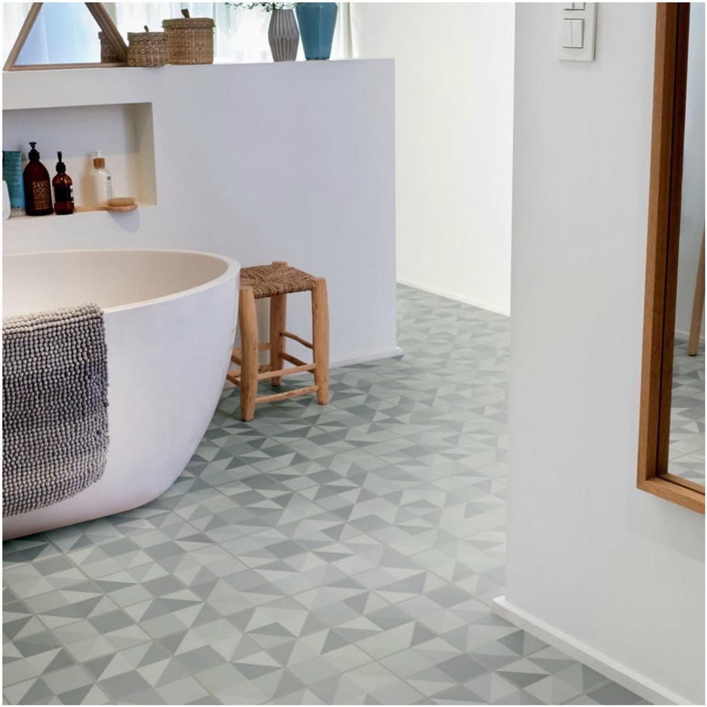 De Tarkett Starfloor Click 30 Tile puzzle light blue 36001006 kenmerkt zich met een super leuk geometrisch patroon.