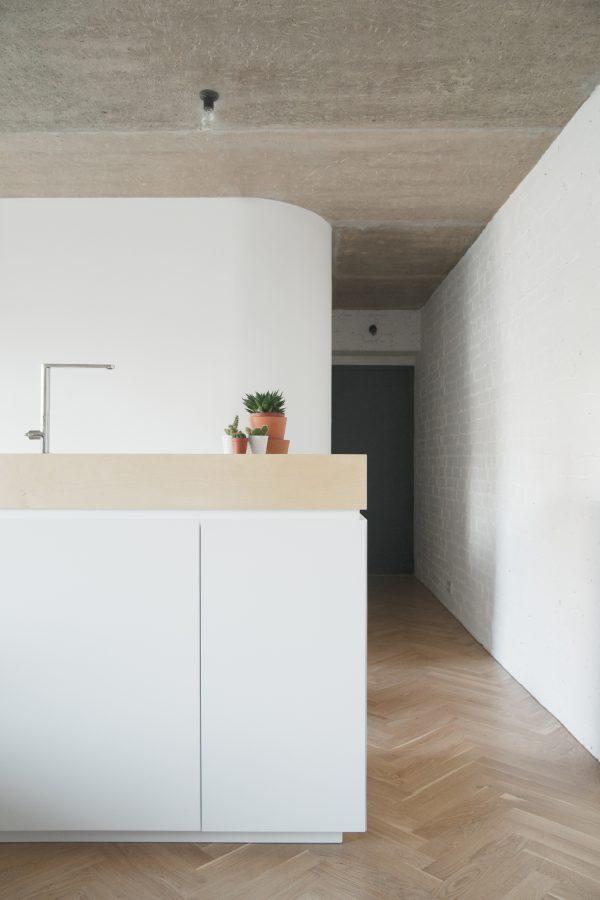 Witte keuken met betonblad beste inspiratie voor huis ontwerp - Witte keuken voorzien van gelakt ...