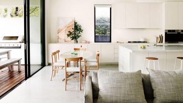witte-keuken-marmer-hout