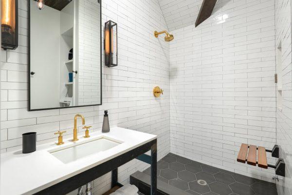 zwart-wit-badkamer