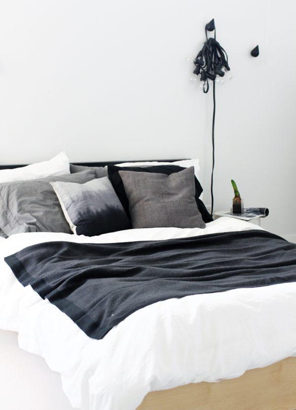 zwart-wit slaapkamer bed