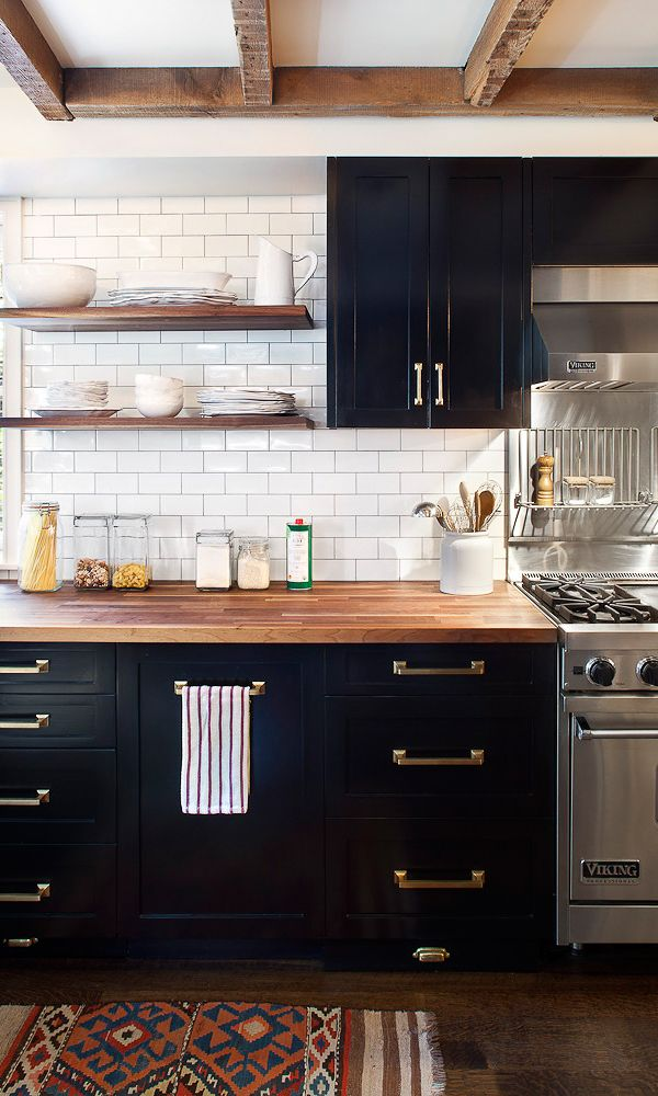 Zwart Witte Tegels Keuken : Dark Kitchen Cabinets with Butcher Block